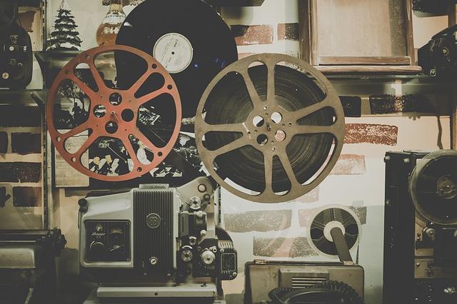 Thành lập công ty sản xuất phim